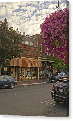 Blind Georges And Laughing Clam On G Street In Grants Pass Canvas Print by Mick Anderson