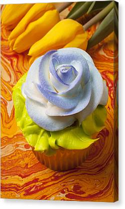 Blue Rose Cup Cake Canvas Print by Garry Gay