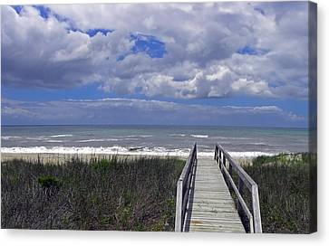 Boardwalk To The Beach Canvas Print by Sandi OReilly