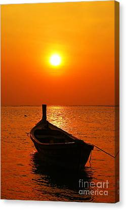 Boat In Sunset  Canvas Print by Anusorn Phuengprasert nachol