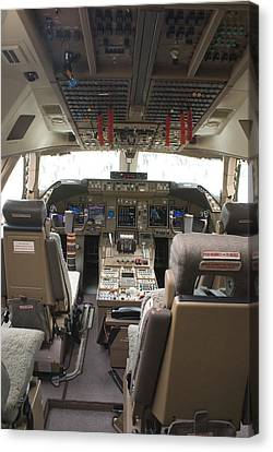 Boeing 747-8 Flight Deck Canvas Print by Mark Williamson