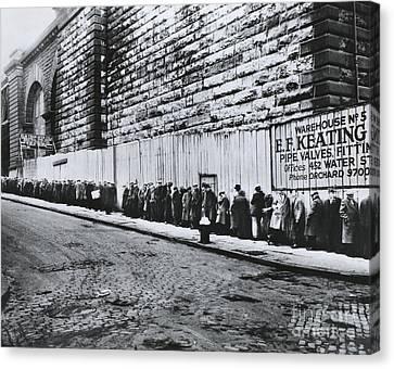Bread Line Beside The Brooklyn Bridge Canvas Print by Photo Researchers