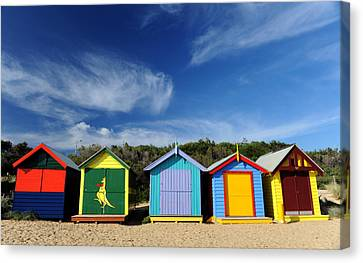 Canvas Print featuring the photograph Brighton Beach by Yew Kwang