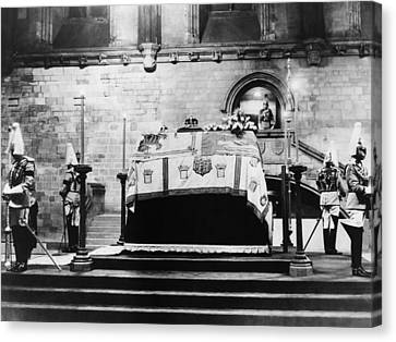 British Royal Family. Coffin Of King Canvas Print by Everett