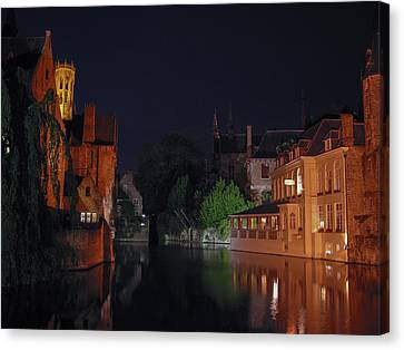 Canvas Print featuring the photograph Bruges by David Gleeson