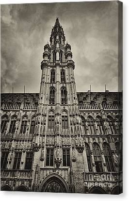 Canvas Print featuring the photograph Brussels Groot Markt I by Jack Torcello