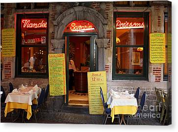 Brussels - Restaurant Savarin Canvas Print by Carol Groenen