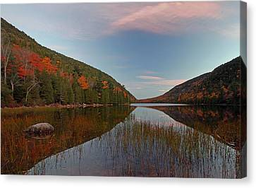 Bubble Pond At Autumn Glory Canvas Print by Juergen Roth