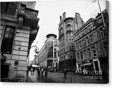 Buchanan Street Shopping Area On A Cold Wet Day In Glasgow Scotland Uk Canvas Print by Joe Fox