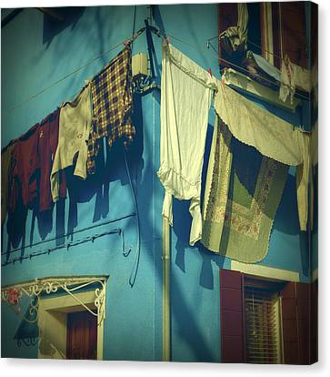 Burano - Laundry Canvas Print by Joana Kruse