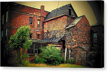 Canvas Print featuring the photograph Calumet Gothic by MJ Olsen