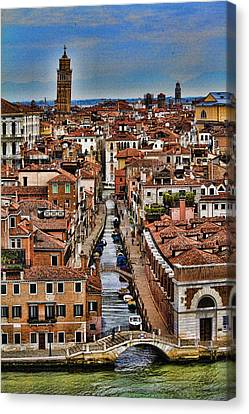 Canal And Bridges In Venice Italy Canvas Print by David Smith