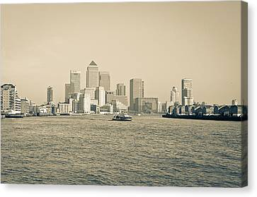 Canvas Print featuring the photograph Canary Wharf Cityscape by Lenny Carter