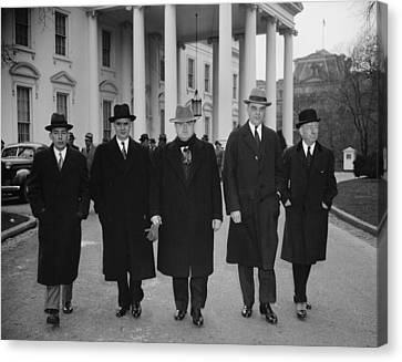 Capital And Labor Leaders Leaving Canvas Print by Everett