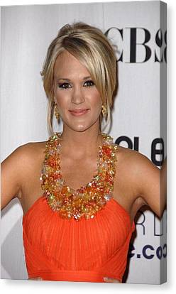 Carrie Underwood Wearing A Jenny Canvas Print by Everett