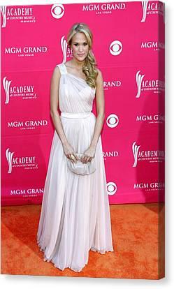 Carrie Underwood Wearing A Randi Rahm Canvas Print by Everett