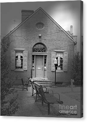 Chamber Of Commerce Elkton Md Canvas Print by Lorraine Louwerse