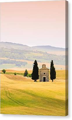 Chapel Of Our Lady Of Vitaleta Canvas Print by Sergio Amiti