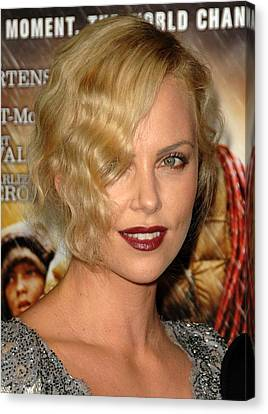 Charlize Theron At Arrivals For Afi Canvas Print by Everett