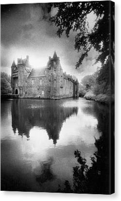 Chateau De Trecesson Canvas Print by Simon Marsden