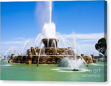 Chicago Buckingham Fountain Canvas Print by Paul Velgos
