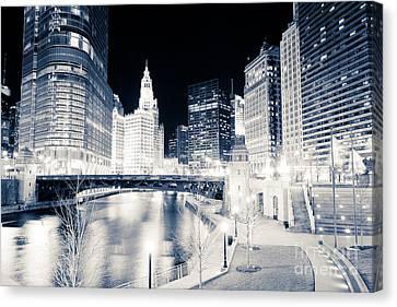 Chicago River Canvas Print - Chicago River At Wabash Avenue Bridge by Paul Velgos