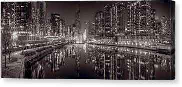 Chicago River East Bw Canvas Print