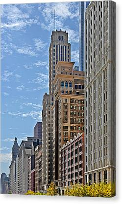 Chicago Willoughby Tower And 6 N Michigan Avenue Canvas Print