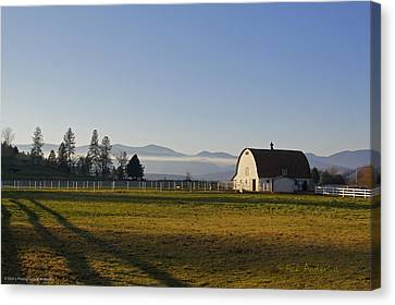 Classic Barn In The Country Canvas Print by Mick Anderson