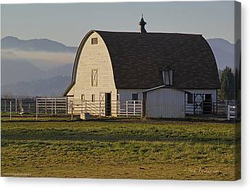 Classic Barn Near Grants Pass Canvas Print by Mick Anderson