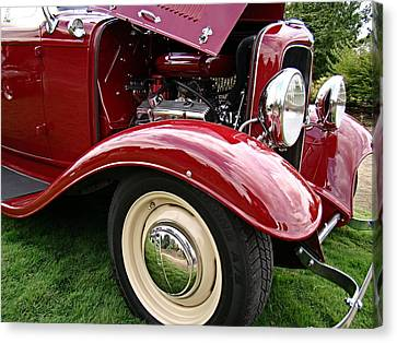 Classic Ford Canvas Print by Nick Kloepping