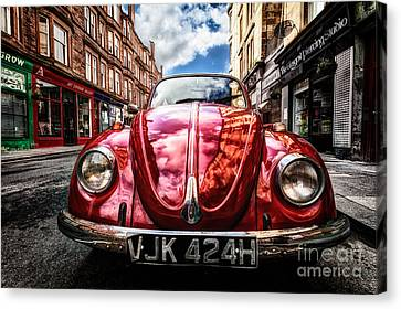Classic Vw On A Glasgow Street Canvas Print by John Farnan