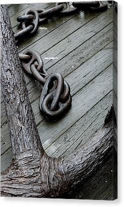 Close Up Of A Large Anchor And Chain Canvas Print by Todd Gipstein