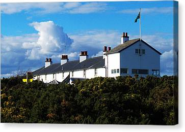 Coastguard Cottages Dunwich Heath Suffolk Canvas Print by Darren Burroughs
