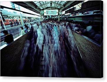 Commuters Crowd A Subway Platform Canvas Print by Paul Chesley