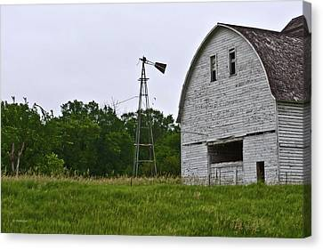 Canvas Print featuring the photograph Corn Crib by Edward Peterson