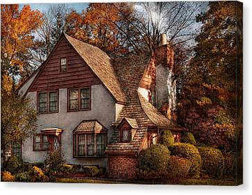 Cottage - Westfield Nj - Family Cottage Canvas Print by Mike Savad