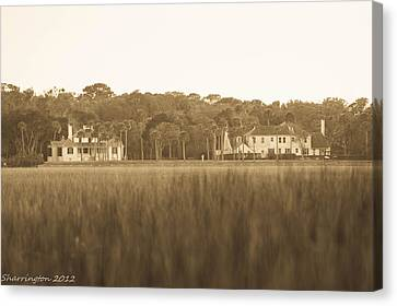 Canvas Print featuring the photograph Country Estate by Shannon Harrington