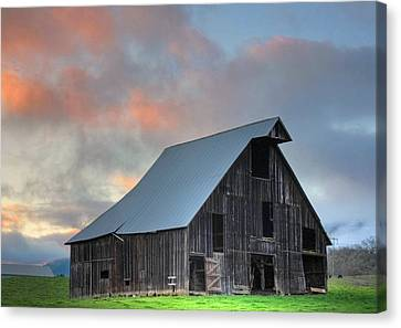 Country Sunset Canvas Print by Tyra  OBryant