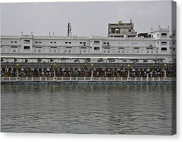 Crowd Of Devotees Inside The Golden Temple Canvas Print by Ashish Agarwal