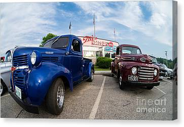 Cruise Night At The Diner Canvas Print by Edward Fielding