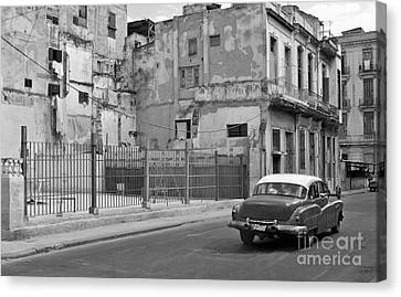 Canvas Print featuring the photograph Cuban Car by Lynn Bolt