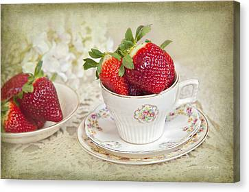 Cup Of Strawberries Canvas Print by Cheryl Davis