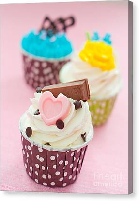 Cupcakes Canvas Print by Tul Chalothonrangsee