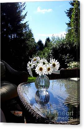 Daisy Bouquet In The Afternoon Light  2 Canvas Print by Tanya  Searcy