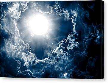 Dark Sky With Sun Canvas Print by Nattapon Wongwean