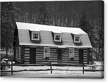 Days Of Yore Log Cabin Canvas Print by John Stephens