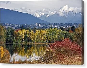 Canvas Print featuring the photograph Deer Lake by Scott Holmes