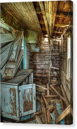 Derelict House Canvas Print by Thomas Zimmerman