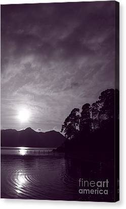Derwent Ripples Canvas Print by Linsey Williams